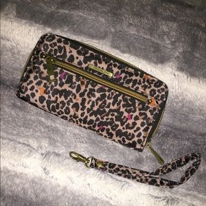NWOT Travelon Leopard print wallet